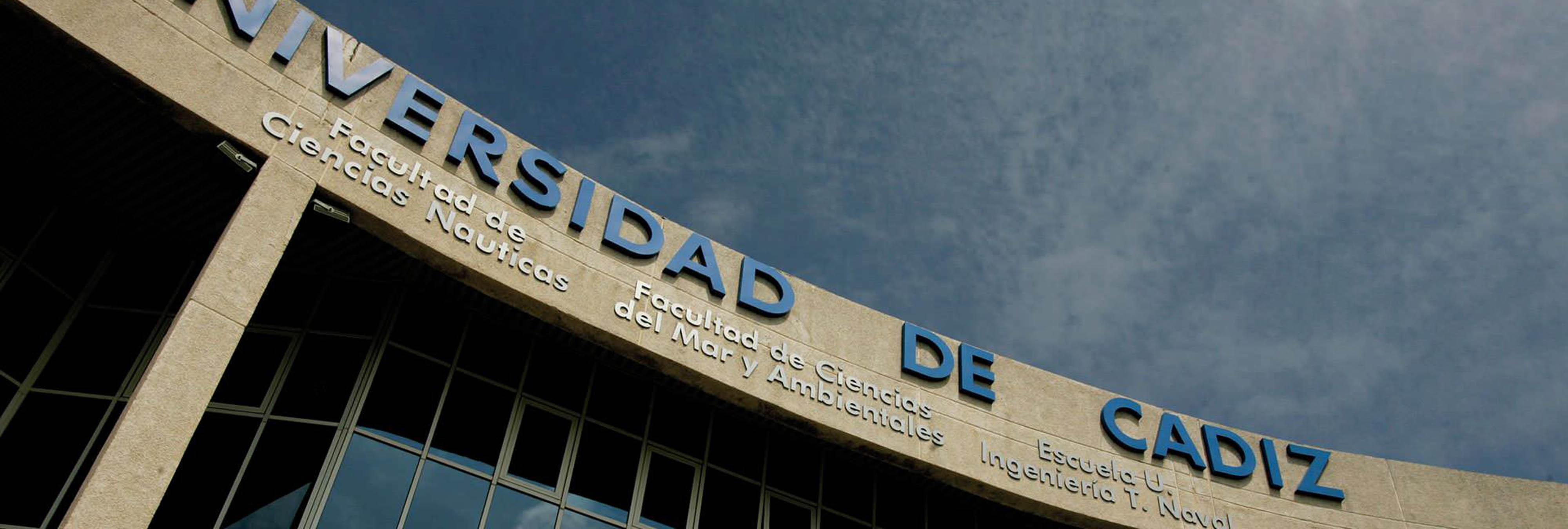"""Jokin de Irala, un catedrático que cree que los gays pueden """"curarse"""", dará una charla en la Universidad de Cádiz"""