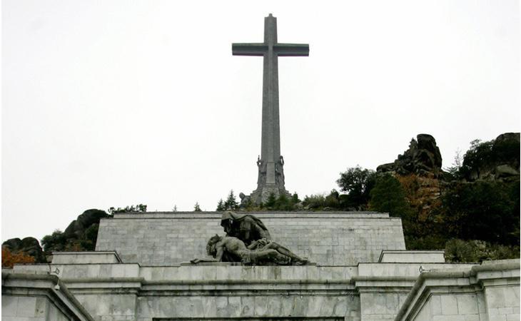 Varias personalidades consideraban que la solución para el Valle de los Caídos era dinamitarlo