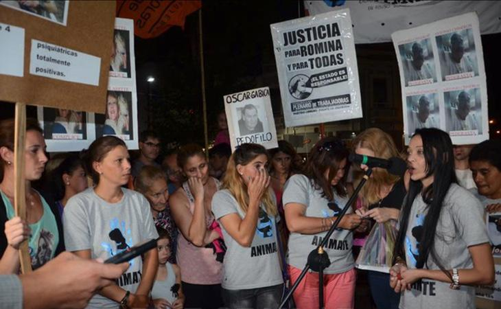 El pueblo en el que vive el padre de Romina se movilizó contra la lacra del abuso infantil