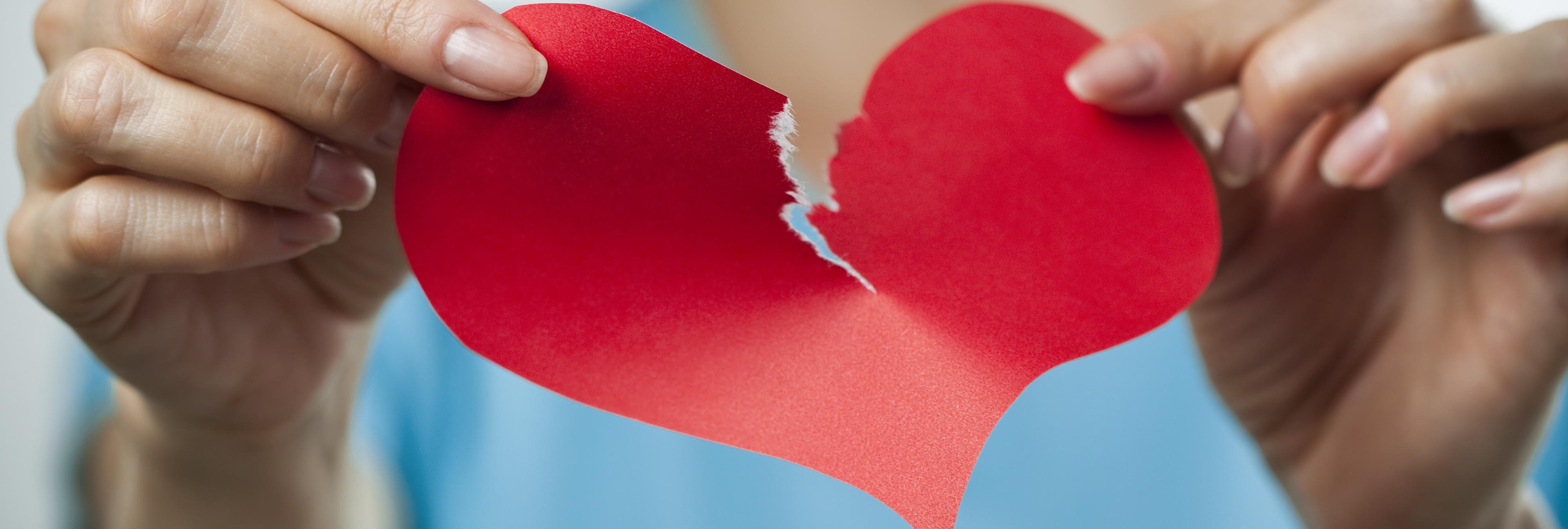 La infidelidad del siglo XXI que puede acabar con tu relación: ver un capítulo de una serie sin tu pareja