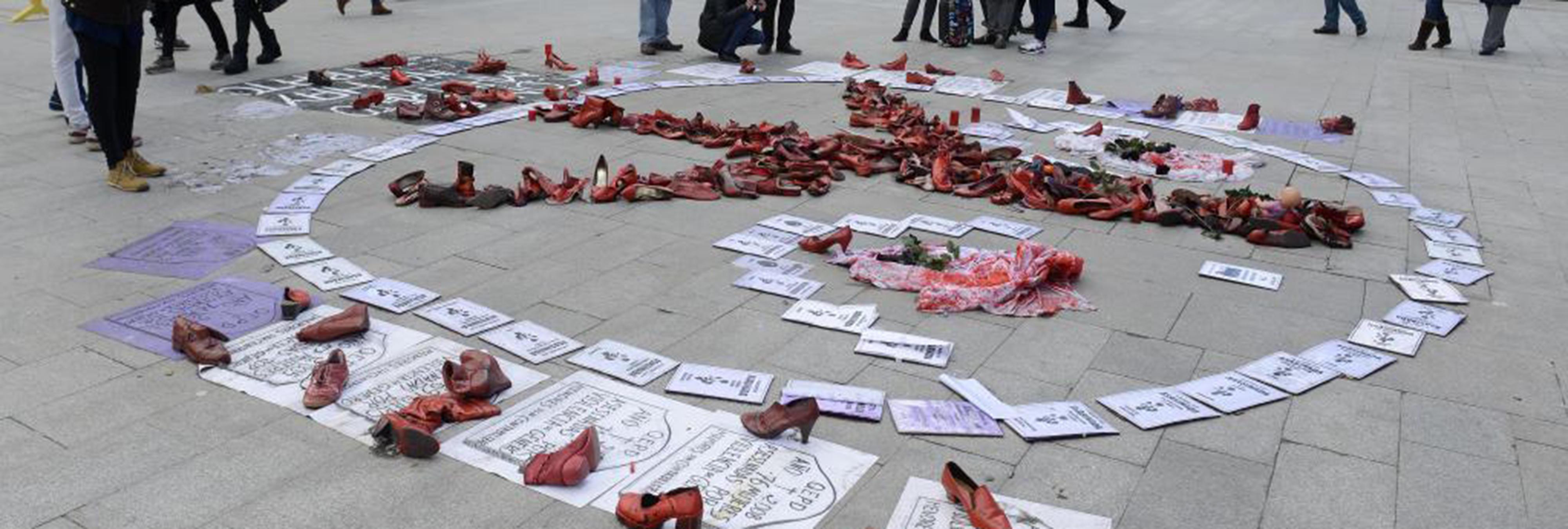 Mujeres en huelga de hambre por un país sin violencia machista en la Puerta del Sol