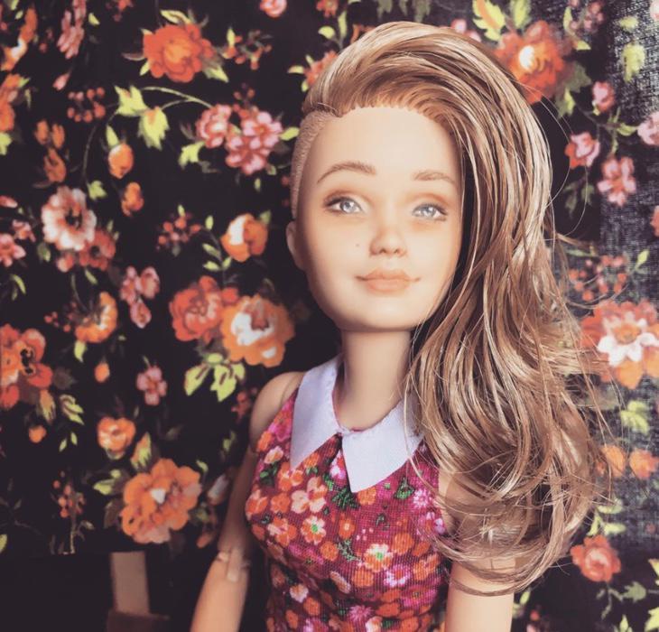 Barbie se moderniza (Instagram: allthelittledolls)