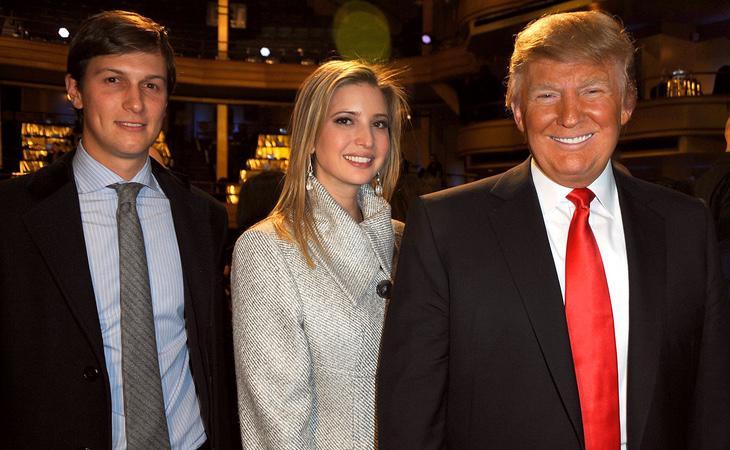Trump junto a su hija, Ivanka Trump y su yerno, Jared Kushner