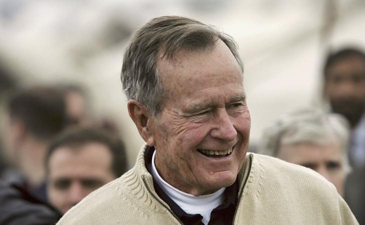George H. W. Bush, en una foto de archivo