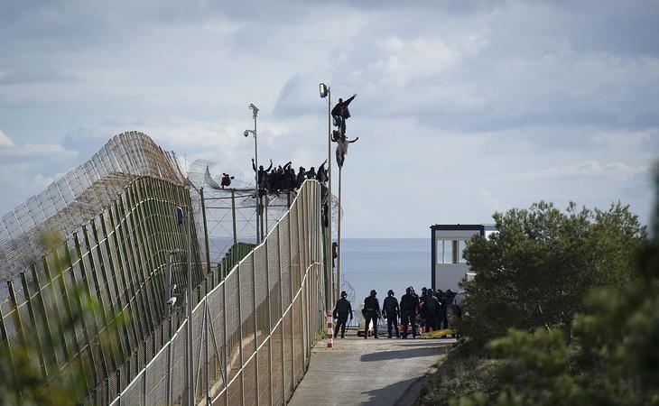 Tan solo Grecia expulsó a prácticamente la mitad de extranjeros que Estados Unidos