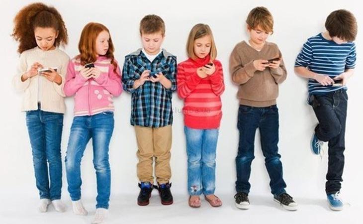 Panda recomienda supervisar el uso de Whatsapp Status en los menores