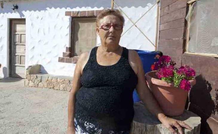 Josefa Hernández cuenta a su cargo con tres nietos, un hijo en paro y otra con una importante tasa de discapacidad