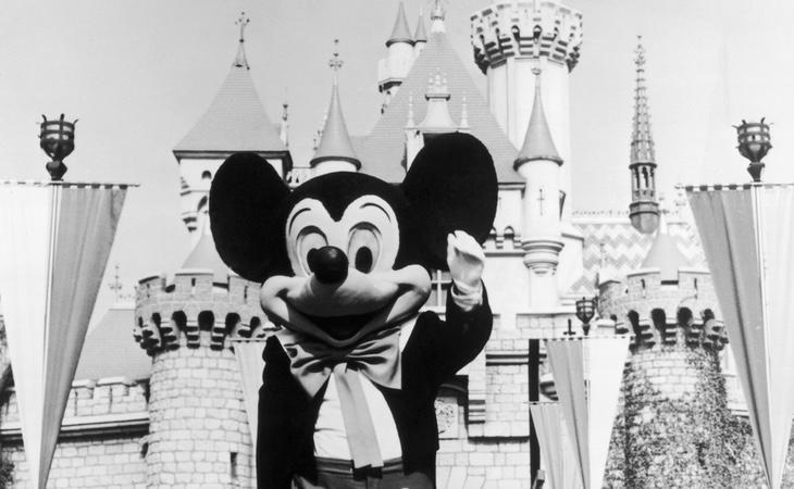 Fotografía de la inauguración de Disneyworld California en 1955