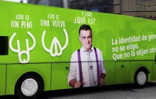 'El Intermedio' responde al ataque transfóbico de Hazte Oír con un autobús reivindicativo: