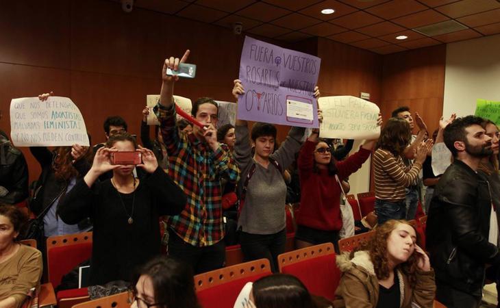 Boicot al acto machista celebrado en la Universidad de Sevilla