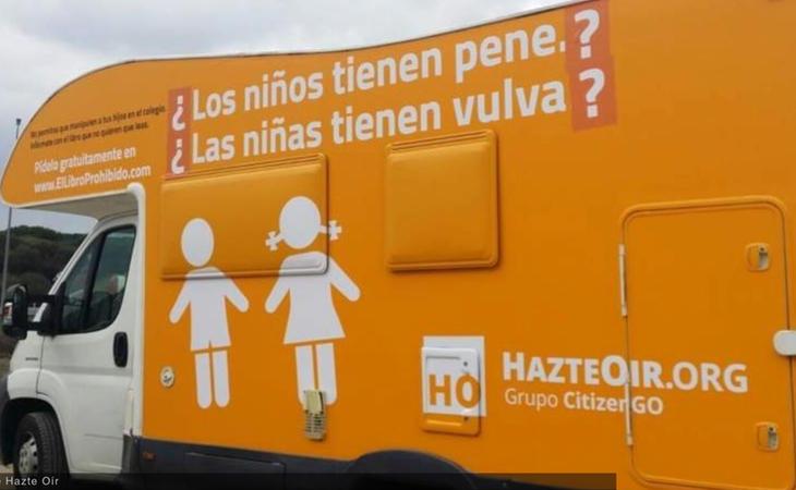 La autocaravana de Hazte Oír