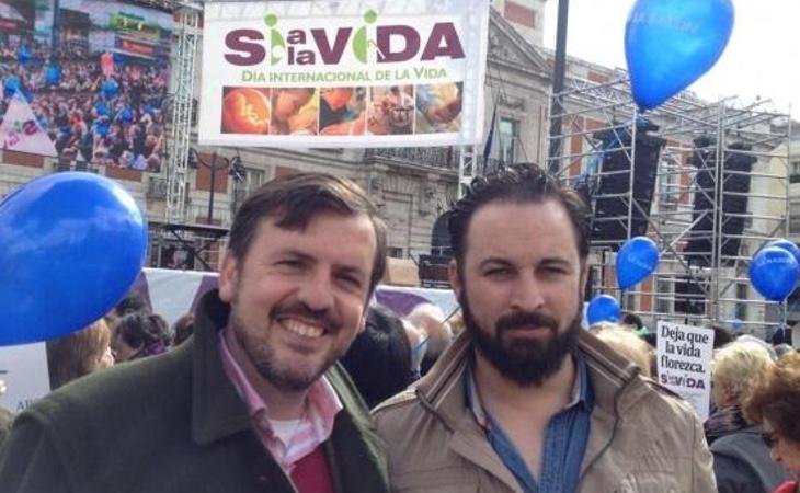 El líder de Hazte Oír, Ignacio Arsuaga, junto al candidato de Vox, Santiago Abascal, en un acto en contra del aborto
