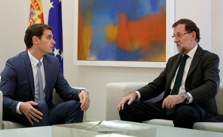 El Partido Popular y Ciudadanos firmaron un acuerdo con 150 puntos para garantizar la investidura de Mariano Rajoy