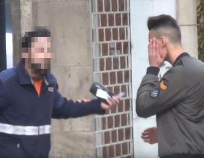 """Multa de 30 euros al repartidor que le dio una bofetada al youtuber que le llamó """"caranchoa"""""""