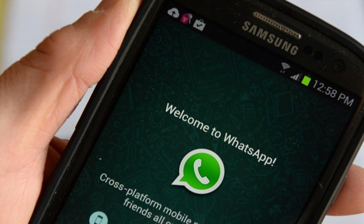 Imagen de un teléfono ejecutando la aplicación 'Whatsapp'
