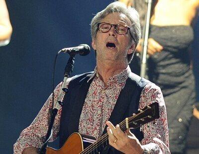 Eric Clapton no solo realiza declaraciones contra las vacunas, también financia movimientos