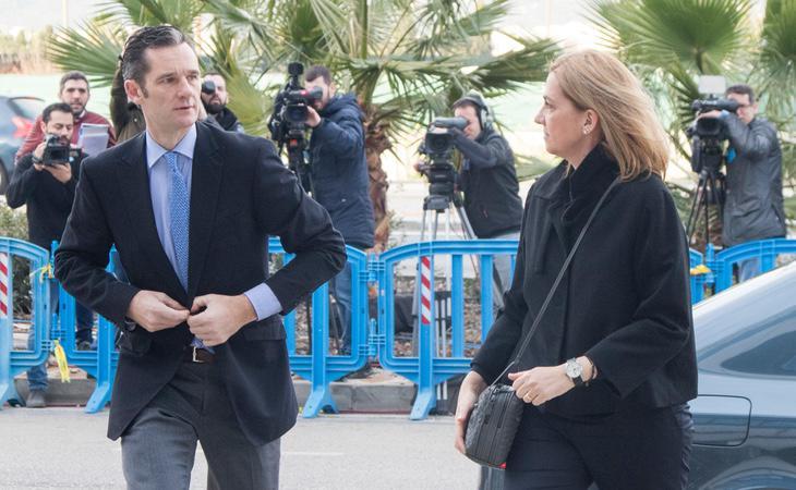 La Infanta Cristina e Iñaki Urdangarín acudiendo a declarar en el juzgado