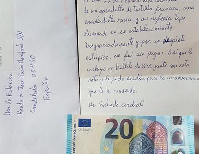 Olvida pagar en un bar y a los pocos días envía una carta de disculpa con 20 euros