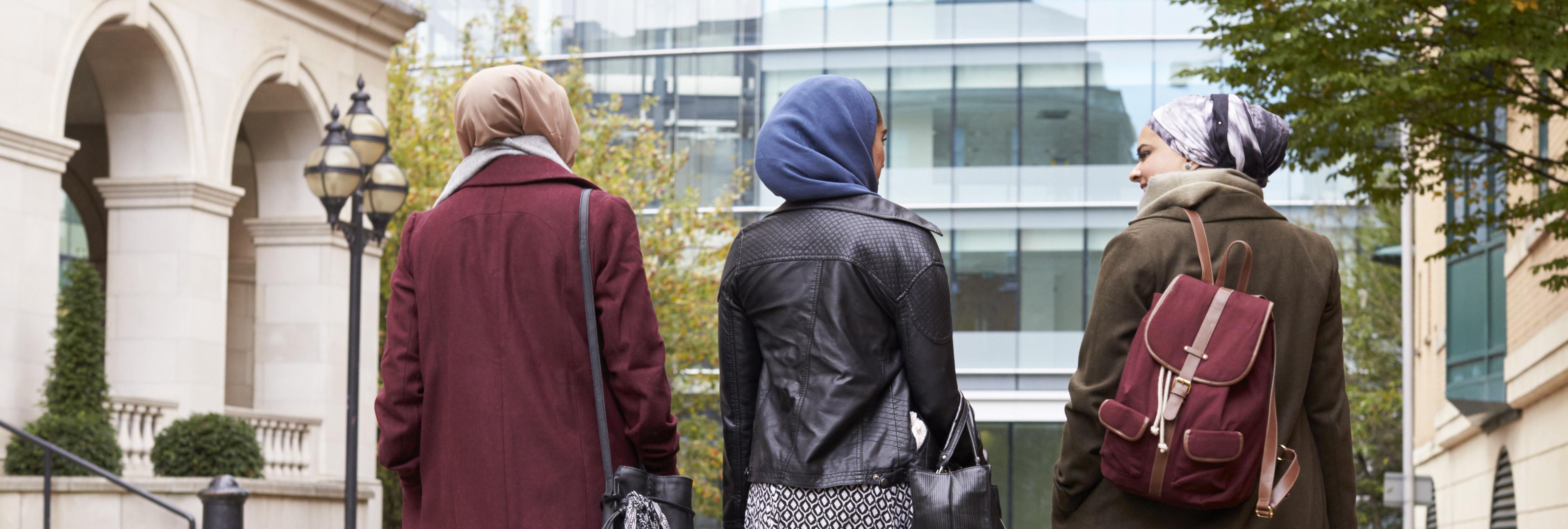 La justicia europea avala que las empresas puedan prohibir el velo islámico en el trabajo