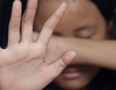 Obligan a una niña de 14 años a tener sexo con más de 1.000 hombres