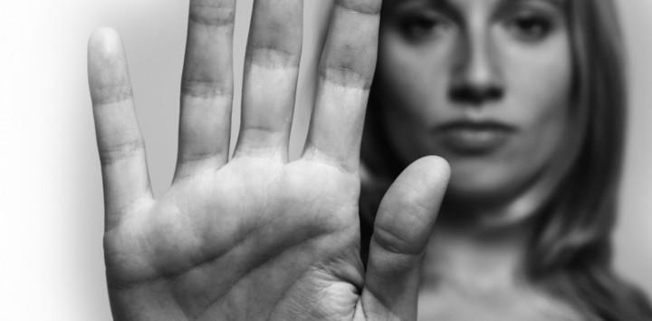 La disonancia cognitiva y la indefensión aprendida juegan un papel importantísimo en la violencia de género