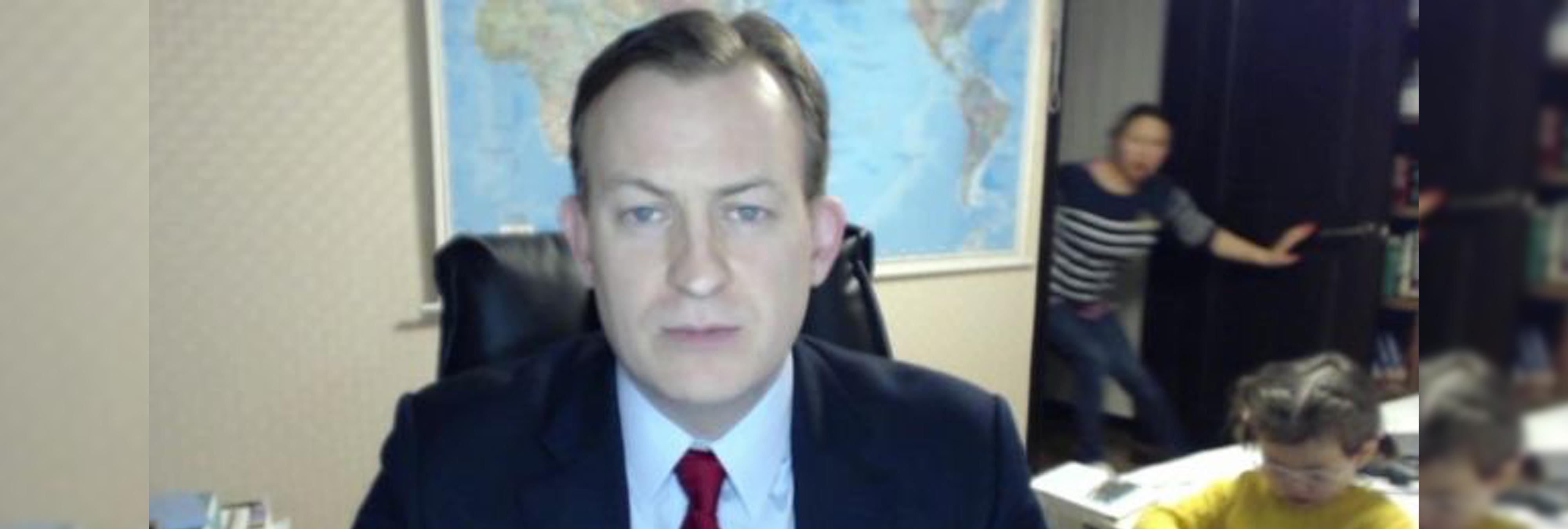 No, no era la niñera: el racismo machista que despertó el vídeo del profesor con sus hijos en la BBC y su explicación real
