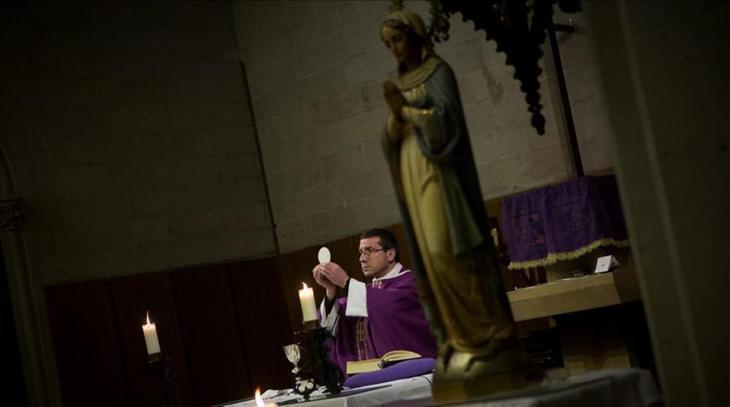 La aconfesionalidad hipócrita de un país hipócritamente católico
