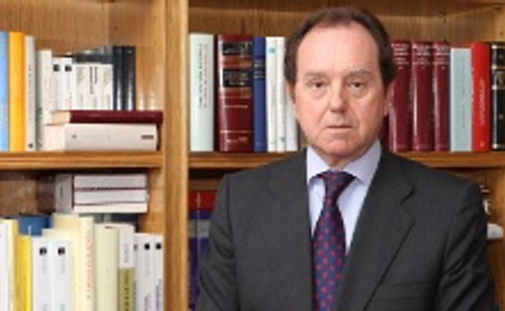 El Jefe de la Casa Real, Jaime Alfonsín, ofreció una respuesta diplomática