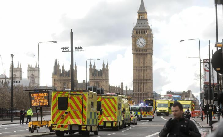 El atacante llegó en un todoterreno atropellando a una docena de peatones