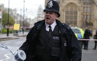 Cuatro muertos y una veintena de heridos en un ataque en las proximidades del Parlamento británico