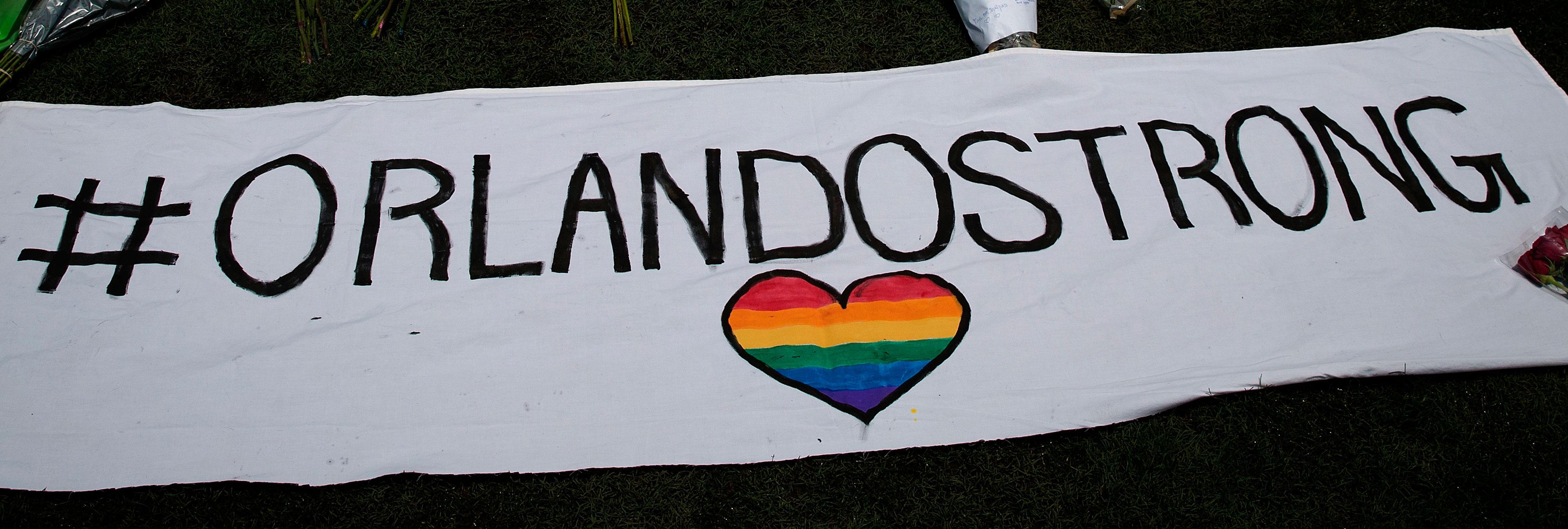 Declaran el 12 de junio el 'Día del amor y la bondad' en recuerdo a las víctimas de la matanza de Orlando