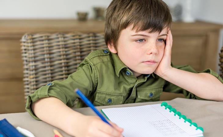 Hacer deberes perjudica gravemente tu salud