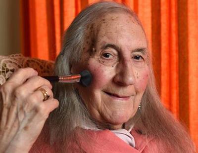 Patricia, una mujer trans veterana de guerra, enfrenta la reasignación de género a los 90 años