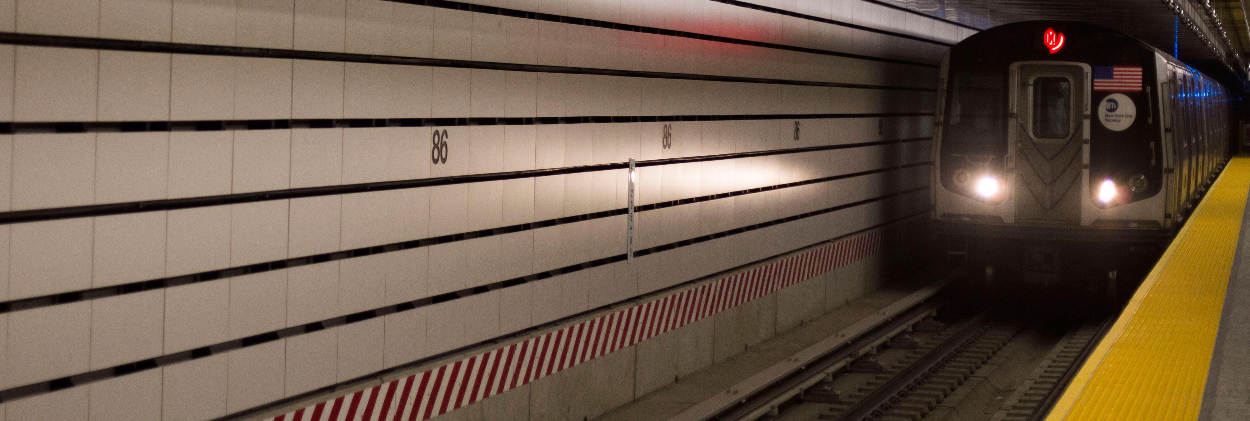 Una niña de trece años muere atropellada por un tren al intentar recuperar su móvil