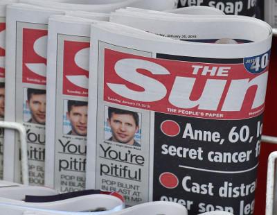 """Un periodista inglés llama """"follaburros"""" a los españoles pidiendo la expulsión de los que trabajan en Reino Unido"""