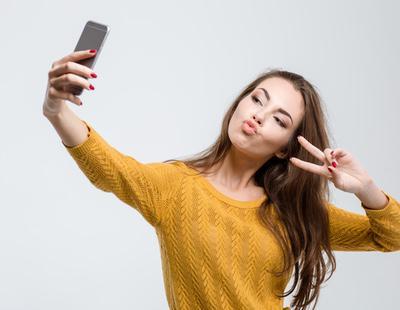 La ciencia revela cuál es el ángulo definitivo para triunfar con tus selfies