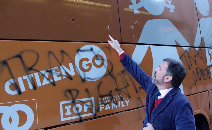 El autobus ha recibido un rechazo prácticamente unánime en Estados Unidos