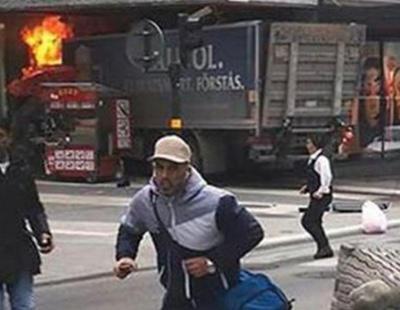 Al menos tres muertos arrollados en un atentado con un camión en Estocolmo