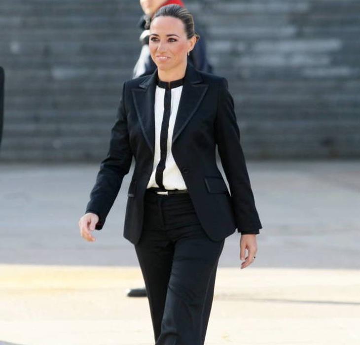 Los medios únicamente se fijaron en que fue vestida con traje y pantalones a la Pascua Militar