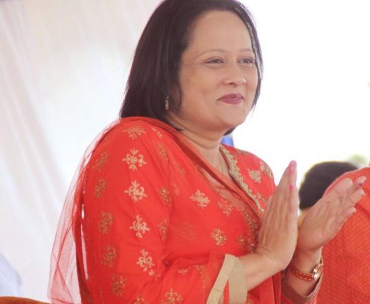 La ministra de Sanidad de Fiyi, Rosy Akbar, considera que todos los homosexuales son portadores del VIH