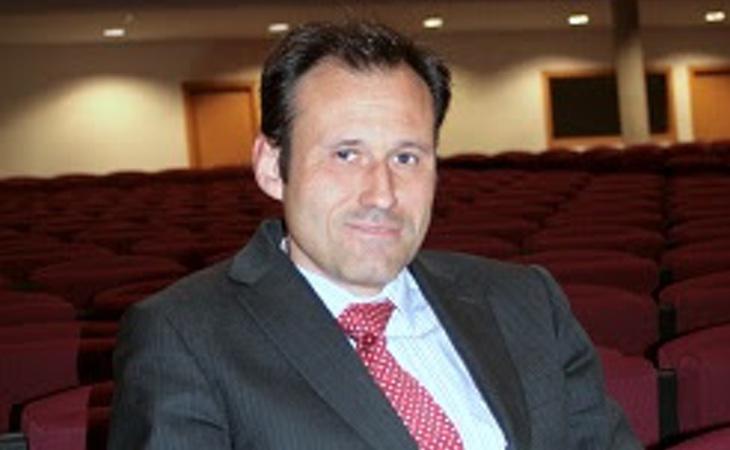 El director del centro, Carlos Martínez