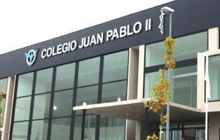 Machismo en las aulas: un colegio enseña ganchillo para niñas y organiza visitas al Bernabéu para niños