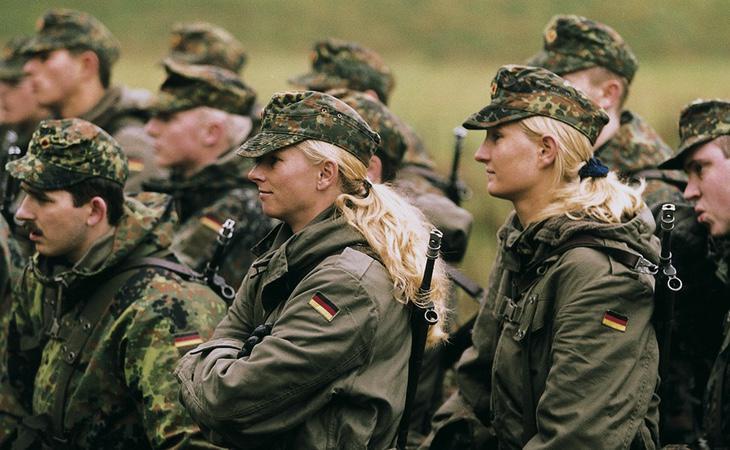 Varios soldados del Ejército alemán