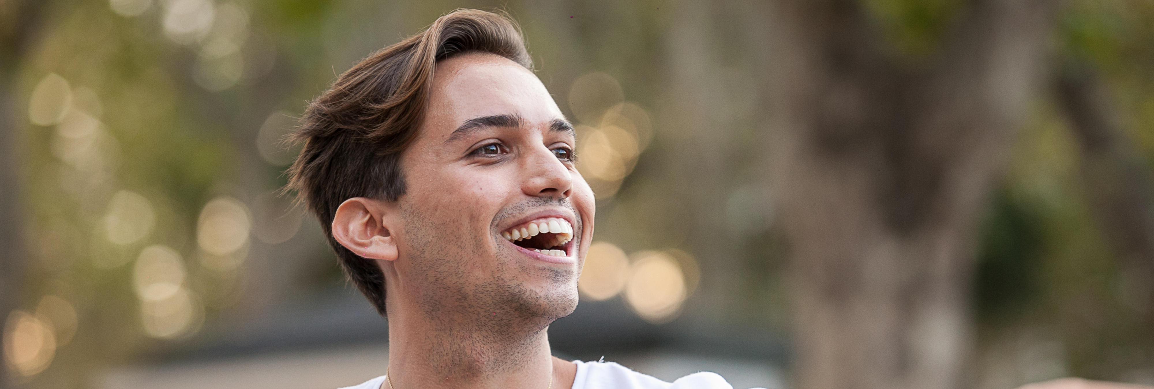 """Carlos Arnelas explica la realidad del influencer: """"Hay quien cobra desde 150 euros por subir una foto, hasta 6.000 euros"""""""