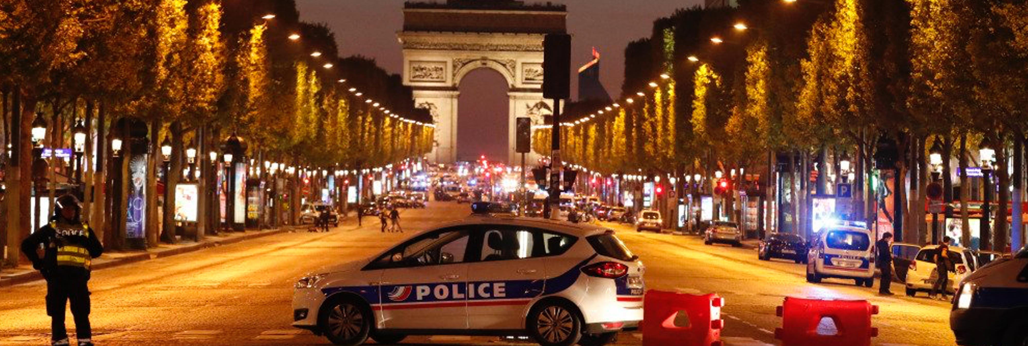 Un policía muerto y dos heridos en un atentado en los Campos Elíseos de París asumido por Daesh