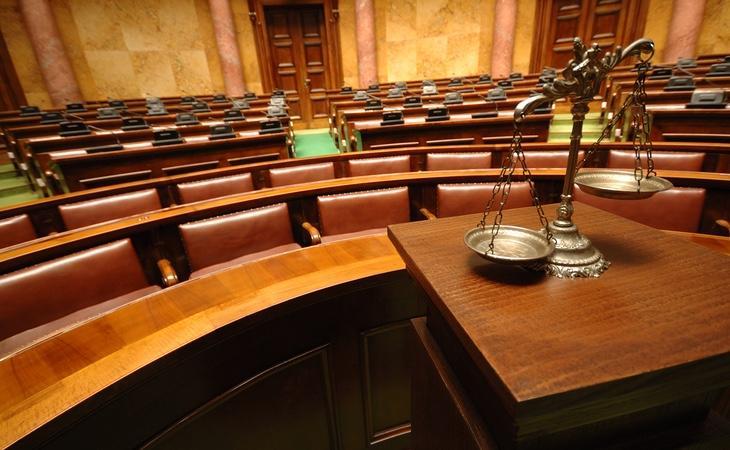 El juez ha impuesto la multa al dueño de la conexión a internet porque no se puede demostrar el verdadero autor del delito