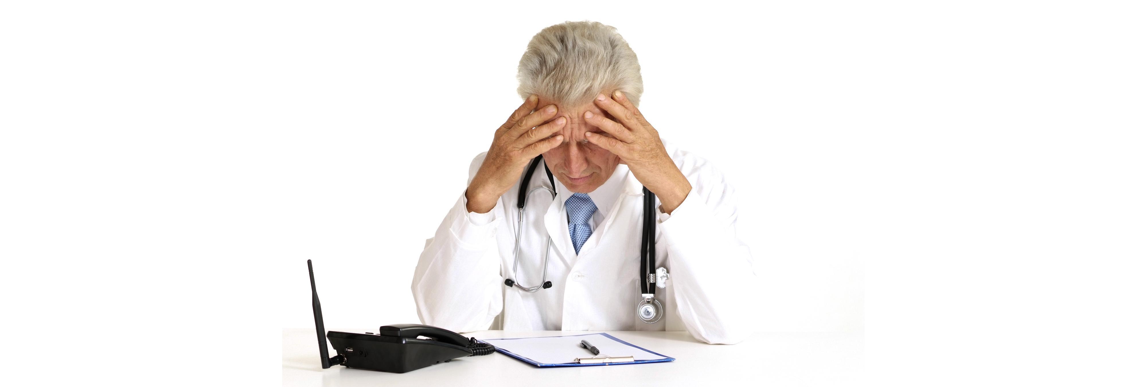 """Sancionan con dos años de suspensión al médico murciano que diagnosticó a una paciente que """"no está bien follada"""""""