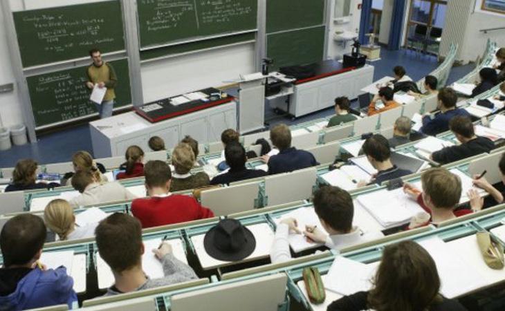Los expertos afirman que la enseñanza no se valora en España