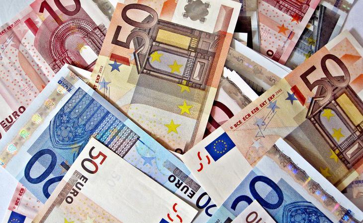 Existen voces que afirman que España no puede asumir una Renta Básica Universal y voces que lo desmienten