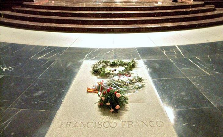 El Congreso ha solicitado la retirada de los restos de Franco del Valle de los Caídos